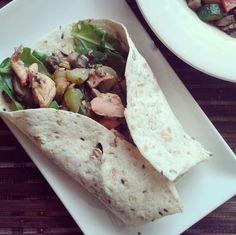 Domácí Burrito Burritos, Tacos, Mexican, Ethnic Recipes, Fitness, Food, Breakfast Burritos, Eten, Keep Fit
