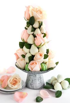 10 Treats You Need For Your Sweet Table Chocolate-Covered Strawberry Tower Croquembouche, Macaron Tower, Fruit Display Wedding, Patisserie Fine, Strawberry Tower, Strawberry Shortcake, Diy Bouquet, Edible Arrangements, Chocolate Strawberries