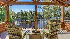 COOL SPACES: The Cypress Lake Lodge