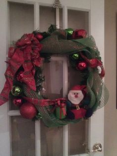 Santa wreath Santa Wreath, Christmas Wreaths, Balloons, Holiday Decor, Beautiful, Home Decor, Art, Christmas Decor, Art Background