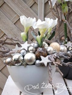 Christmas Wreaths, Xmas, Christmas Inspiration, Flower Arrangements, Holiday Decor, Plants, Cards, Home Decor, Florists
