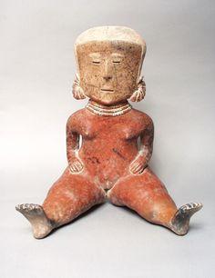 15/ NAYARIT - Style CHINESCO, type E/ IVOIRE. Couleur beige caractéristique de ce type. Peinture corporelle rouge ou noire, masque en forme de loup au niveau des yeux. Tampons sur joues, torse, épaules. Encadrement du visage en arc de cercle. http://www.metmuseum.org/collection/the-collection-online/search/318986?rpp=30&pg=1&ft=nayarit&pos=29