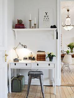 Ikea plank met lades als bureau