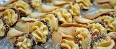 Recept Křehké karamelové kornouty Creme, Macaroni And Cheese, Ethnic Recipes, Caramel, Poor Mans Recipes, Top Recipes, Food Items, Food Food, Best Recipes