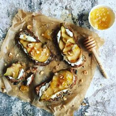 Stay in, make this! 🍐Caramelised, griddled pears w/ goat's cheese whip, honey comb in acacia honey & toasted hazelnuts all piled on top of my seeded soda bread. Sticky, sweet & salty HUBBA 🙌🏻 (recipe via link in profile. Seeded soda bread recipe in my new book The Goodness of Nuts & Seeds out Feb 17) Delicious cut comb in acacia honey @hilltop_honey #happyhalloween #recipe #styling #instadaily #picoftheday #photooftheday #photo #photography #glutenfree #vegan #veganfoodshare #healthy…