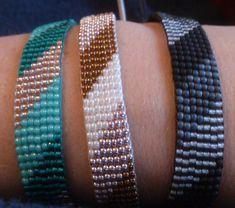 Loom beaded bracelet/Beaded bracelet with waxed cord Handgeweven kralenarmbandje / Loom Perlen Armband Tür Suusjabeads Loom Bracelet Patterns, Bead Loom Bracelets, Bead Loom Patterns, Jewelry Patterns, Beading Patterns, Beading Ideas, Bead Loom Designs, Motifs Perler, Tear