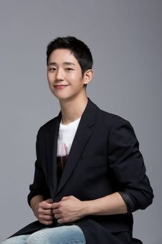 Jung Hae-in Is the Nation's Younger Brother at 31 Drama Korea, Korean Drama, Asian Actors, Korean Actors, Jung In, Kpop Guys, Kdrama Actors, Korean Entertainment, Korean Celebrities