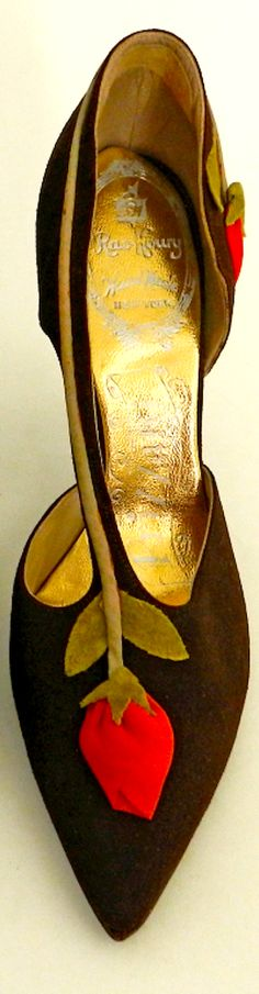1950's Brown Suede Shoe with Rosebuds - U.S.A.