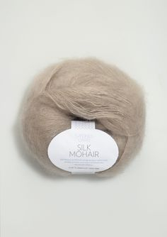 wunderschönes weiches Silk-Mohair-Garn für die anspruchsvolle Strickerin o 60 % Mohair, 25 % Seide, 15 % Wolle o 50 g = 280 m, Nadelstärke 5,5 o Wollprogramm 30 ° waschbar, ohne Weichspüler
