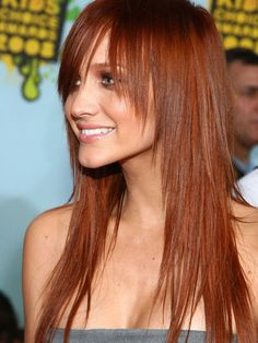Ashlee Simpson mit Pony Frisur Long Celebrity Hairstyles - Overview of Celebrities With Gorgeous Hai Long Hair With Bangs, Haircuts For Long Hair, Long Bob Hairstyles, Long Hair Cuts, Hairstyles With Bangs, Pretty Hairstyles, Haircut Long, Hair Bangs, Hairstyles 2016