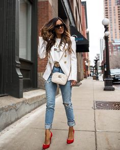"""09fa7204783 Maria Vizuete (Mia Mia Mine) on Instagram  """"Heading into the weekend in my  favorite spring designer pieces from  mytheresa.com. Shop this look via the  link ..."""