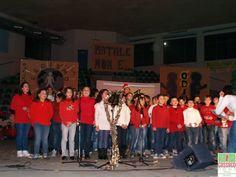"""Fotogallery festa di Natale della scuola di Navezze """"Natale non è"""" - http://www.gussagonews.it/fotogallery-festa-natale-scuola-navezze-natale-gussago-2013/"""