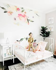How about a vintage style decor in a spring mood? Watercolor print with colorful flowers and a nice composition is a MUST for spring season 2020 home design - Collected Wildflowers peel&stick wall mural Removable Wall Murals, Inspirational Wallpapers, Baby Nursery Decor, Vintage Decor, Vintage Style, Floral Wall, Wall Design, Wall Decor, Wildflowers