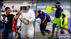 Summ, summ, summ - Bienchen summ herum! ♫ Die schwarz-gelbe Attacke in Ecuador fanden diese Spieler, Trainer, Schiedsrichter und Zuschauer nicht ganz so witzig: