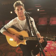 Niall Horan Is Back In The Studio...With His Acoustic Guitar - http://oceanup.com/2016/11/15/niall-horan-is-back-in-the-studio-with-his-acoustic-guitar/