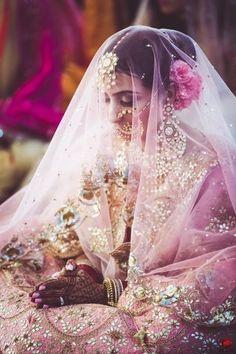 Ideas for indian bridal dupatta brides Big Indian Wedding, Indian Wedding Planning, Sikh Wedding, Punjabi Wedding, Wedding Veils, Indian Weddings, Wedding Dresses, Wedding Wear, Wedding Reception
