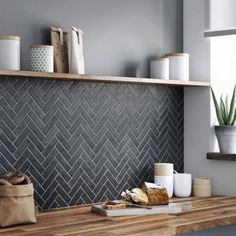 93 Awesome Modern Kitchen Wall Tiles Ideas For Good Kitchen 61 Modern Kitchen Backsplash, Kitchen Wall Tiles, Kitchen Shelves, Backsplash Ideas, Backsplash Design, Tile Ideas, Kitchen Cabinets, Room Tiles, Splashback Ideas