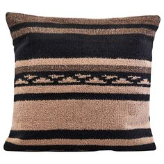 Buy your Berber cushion cover cm from House Doctor at Nordic Nest. Moroccan Cushions, Bohemian Pillows, Cushions On Sofa, Throw Pillows, Modern Moroccan, Bohemian Look, House Doctor, Cushion Covers, Scandinavian Design