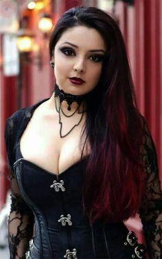 Beautiful Girl Image, Beautiful Asian Girls, Gorgeous Women, Hot Goth Girls, Gothic Girls, Goth Beauty, Dark Beauty, Hot Girls Kissing, Goth Chic