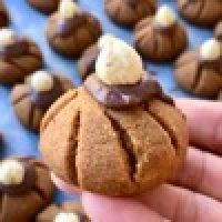 Nutellalı Islak Kurabiye - Nefis Yemek Tarifleri Muffin, Cookies, Breakfast, Cake, Food, Elsa, Crack Crackers, Morning Coffee, Biscuits
