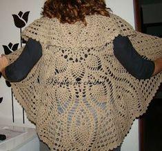 Depois de três tentativas e três receitas diferentes consegui fazer o meu casaco de croche circular. Esse gráfico eu indico. Deu ce...