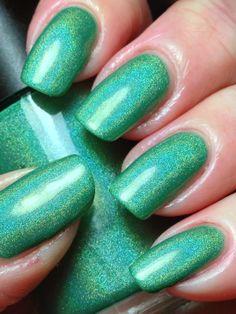 Smitten: ☆ Shamrock Shake ☆ ... a holographic green nail polish