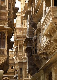 """Jaisalmer, being called as """"Golden City"""" as the city has forts and temples built with yellow sand. - This is how I see a lot of the ornate and jostling architecture of Kallorm. Jaisalmer, Places Around The World, The Places Youll Go, Places To See, Around The Worlds, Indian Architecture, Ancient Architecture, Amazing Architecture, Varanasi"""