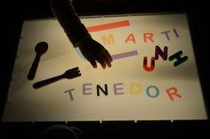 formar palabras en la mesa de luz, lectoescritura con imprimible Reggio Emilia Preschool, Family Crafts, Light Table, Pre School, Preschool Activities, Classroom, Creative, Lightbox, Alexandria