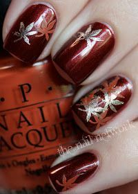 35 Leaf Nail Art Ideas Red and silver themed leaf nail art design. This nail art design doesn't only look fiery at first glance, but at the same time gives you a homey vibe because of the autumn leaves painted on top. Fancy Nails, Love Nails, How To Do Nails, My Nails, Bling Nails, Autumn Nails, Fall Nail Art, Winter Nails, Seasonal Nails