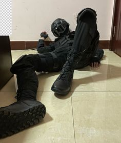 Tactical Uniforms, Tactical Gear, Swat Gear, Rainbow Six Siege Art, Manga Poses, Cyberpunk Clothes, Gay Aesthetic, Funny Reaction Pictures, Warrior Girl