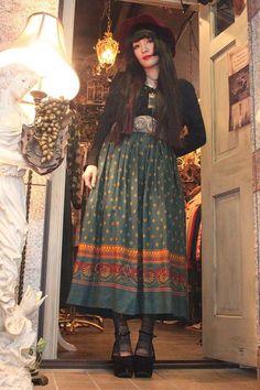 ~Les Fleurs Noires~: Decor For Fashion: Dark Mori/Dolly Kei and Antique Decor