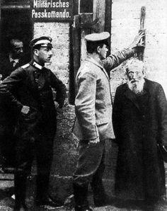 Poland, World War I, Imperial German troops distributing German passports to Jews.