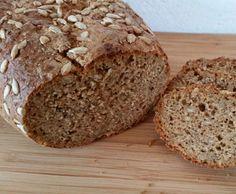 6-Korn-Brot mit Chia und Sonnenblumenkernen
