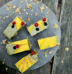 Selinas Ekologiska Meze  Raw Energy Bar- Banana, wheatgrass & mango