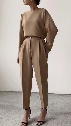 minimal everyday look, classic and simple. Oversized camel sweater, s . - wedding - 30 Minimal everyday look classic and simple. Oversized camel sweater s - Classy Outfits, Chic Outfits, Fashion Outfits, Fashion Clothes, Fashionable Outfits, Woman Outfits, Kimono Fashion, Fasion, Look Fashion