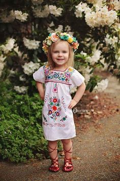 Ava needs this Mexican Fiesta Dresses, Traditional Mexican Dress, Mexican Costume, Little Girl Closet, Mexican Babies, Fiesta Outfit, Fiesta Theme Party, Frocks For Girls, Baby Dress