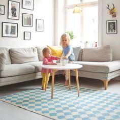 Hoy os quiero hablar de un tipo dealfombras que me parecen una solución idónea tanto para exteriores, como para interiores en cuartos húmedos o habitaciones en las cuales la alfombra se manchemuc...