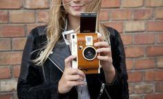 Fujifilm, Lomography, Impossible Project, Leica... la photo instantanée se révèle aux jeunes générations.