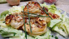 Der zarte Spitzkohl in Speck und Zwiebeln, eingepackt in einen Teig und dann gebraten – lecker!