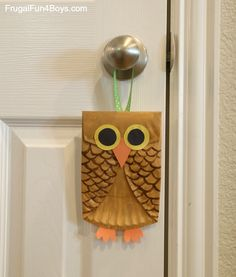 Paper Plate Owl Craft for Kids - Frugal Fun For Boys and Girls Paper Plate Crafts For Kids, Spring Crafts For Kids, Autumn Crafts, Crafts For Girls, Christmas Crafts For Kids, Paper Crafts, Craft Activities For Kids, Stem Activities, Morning Activities