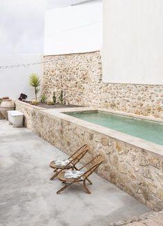 Small Backyard Pools, Small Pools, Swimming Pools Backyard, Pool Garden, Mini Piscina, Small Pool Design, Natural Swimming Pools, Beautiful Pools, Outdoor Living