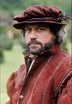 Oliver Reed in Prince and the Pauper (aka Crossed Swords), 1977 Oliver Reed, Alec Baldwin, Old Hollywood Stars, The Man, Documentaries, Actors, Guys, Period Dramas, Tudor
