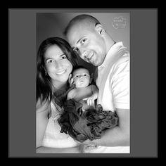 As últimas semanas foram intensas e acabei não tendi tempo para me dedicar as redes sociais... Vejam o resultado do ensaio de newborn da Julia.   Mamãe Dani Jujuba e papai Júnior.  Muito amor envolvido!    #leandromarinofotografia #registrandomomentos #capturandoemocoes #instadaily #bestoftheday #picoftheday #photooftheday #fotododia #bw #bw_lover #bw_photooftheday #bwphotography #sessaofotografica #sessaofotos #sessaofotograficarj #babyphotography #baby #newborn #newbornbaby…