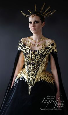 A costume for a costume parade event at the Queens Gallery for the exhibition In Fine Style, the Art of Tudor and Stuart Fashion 2013. (Ingrid)  For Queen of Dragons - Visenya xd