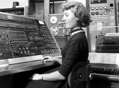 engineeringhistory:  Joneal Williams-Daw operating UNIVAC computer, circa early 1950s.