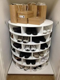 DIY Lazy Susan Shoe Storage This Lazy Susan Shoe Organizer Keeps Your Shoes Neat, Organized, And All in One Place Closet Storage, Diy Storage, Bedroom Storage, Understairs Shoe Storage, Shoe Storage Moving, Shoe Storage Life Hacks, Shoe Closet Organization, Garage Shoe Storage, Shoe Organiser