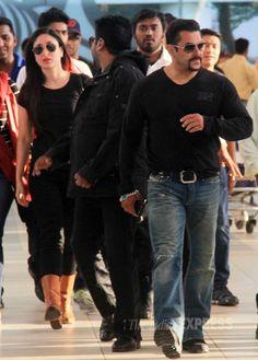 Salman Khan and his 'Bajrangi Bhaijaan' co-star Kareena Kapoor Khan spotted at the Mumbai airport. #Bollywood #Fashion #Style #Beauty #Handsome