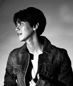 The perfect Exo BaekHyun KPop Animated GIF for your conversation. Park Chanyeol, Baekhyun Hot, Kyungsoo, Shinee, Taemin, Chanbaek, Saranghae, Baekyeol, Got7 Jackson