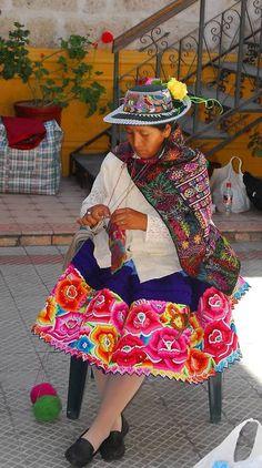 makinology:  rufina huayra, master knitter & teacher from huancavelica in peru …   ~…Puchka Peru Textile Tours