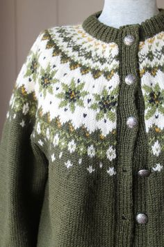 I used to have a cardigan like this but gave it away :-(( Norwegian Cardigan Sweater / Moth Proof Hand Knit Wool Sweater / Green Fair Isle Sweater Fair Isle Knitting Patterns, Fair Isle Pattern, Knitting Charts, Knitting Designs, Hand Knitting, Icelandic Sweaters, Wool Sweaters, Norwegian Knitting, Bunt